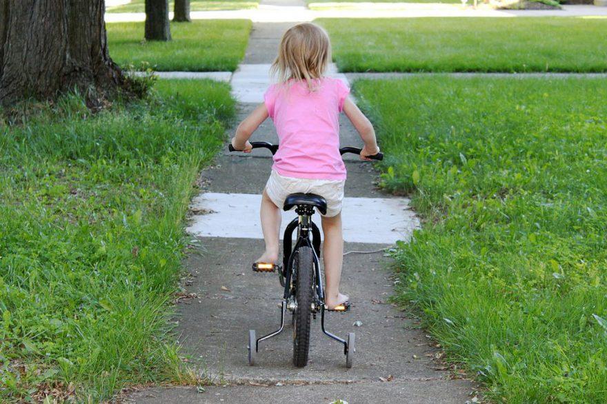 Biciklizni és helyesen étkezni is későn tanultam meg
